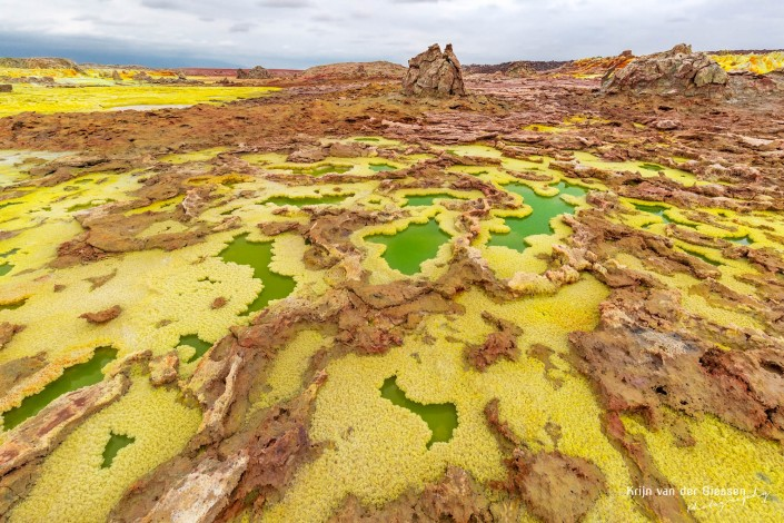 Dalol Danakil Depression salt christals yellow green copyright by krijn van der Giessen Photography 2000