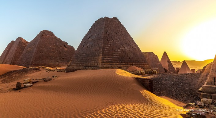 Meroe Pyramides Sudan Sunrise in the middle of the desert - copyright by Krijn van der Giessen Photography