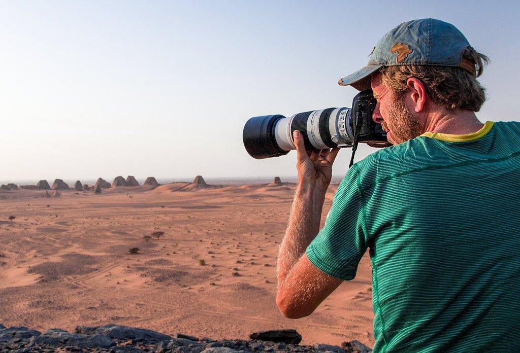 Photography pyramids in Sudan krijn van der giessen