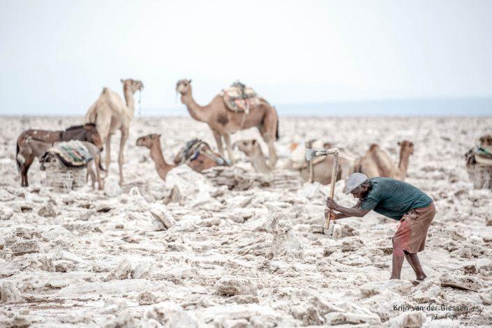 Danakil Depression Saltminers Krijn van der Giessen Photography Copyright-8