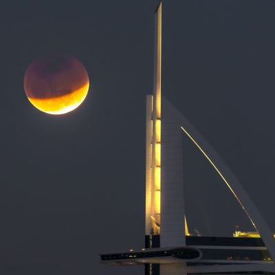 Bloodmoon Dubai Burj Al Arab copyright by Krijn van der Giessen Photography