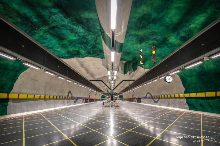 Stockholm Metro Huvudsta by Krijn van der Giessen